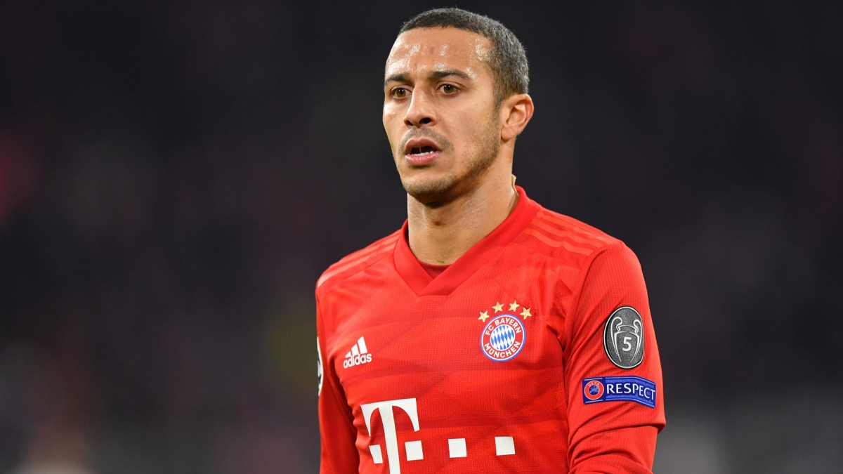 Tiền vệThiago Alcántara (Bayern/Liverpool)