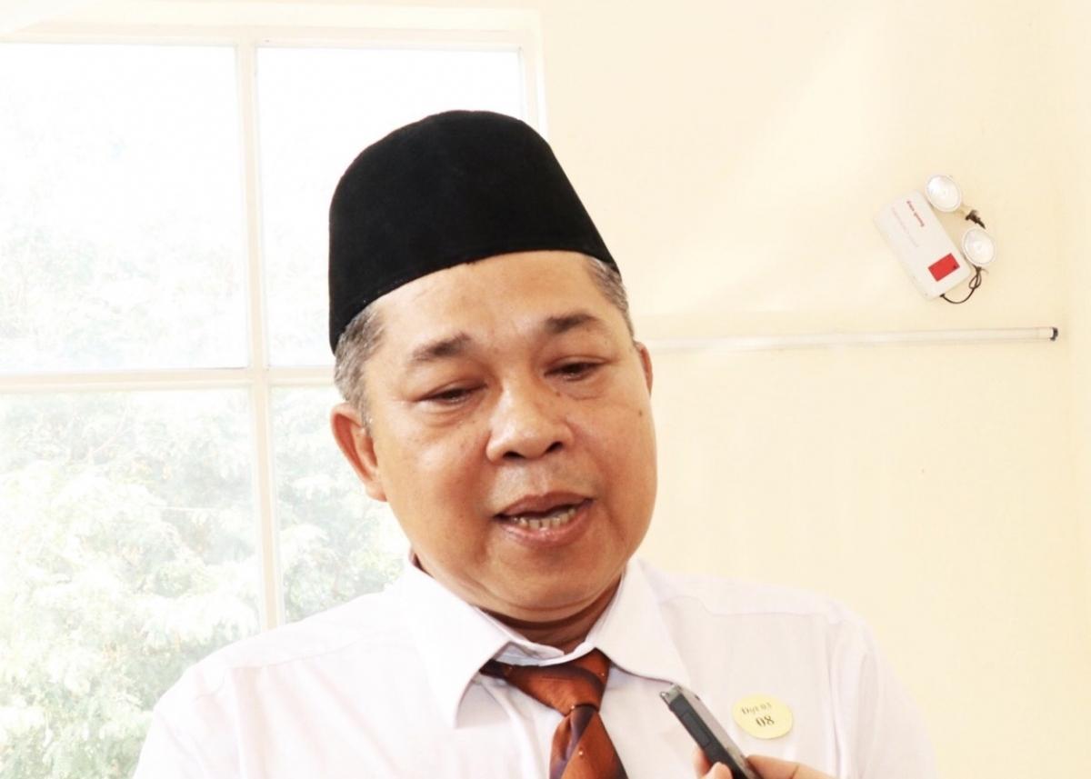 Ông Haji Ysa U mơ, Giáo cả Thánh đường Hồi giáo Muwa Hidin, Ban đại diện cộng đồng Hồi giáo TPHCM.