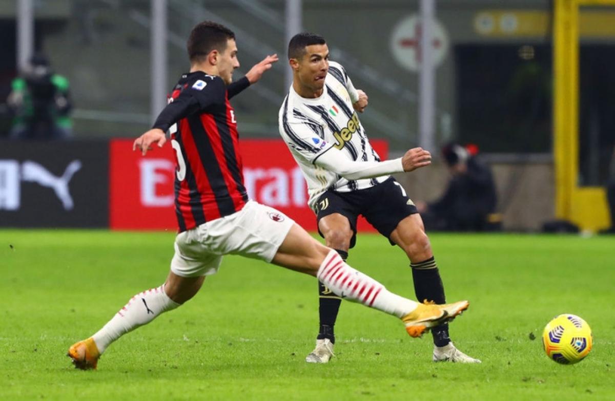 Cristiano Ronaldo làm nghi binh trong trận đấu mà nhiều người kỳ vọng anh sẽ lập công để trở thành cầu thủ ghi nhiều bàn thắng nhất thế giới.