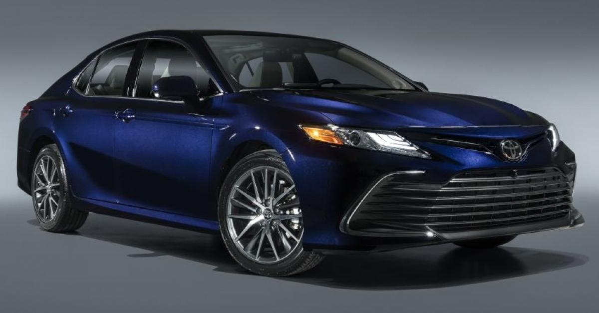 6. Toyota Camry - 294.348 chiếc (giảm 13% so với năm 2019)