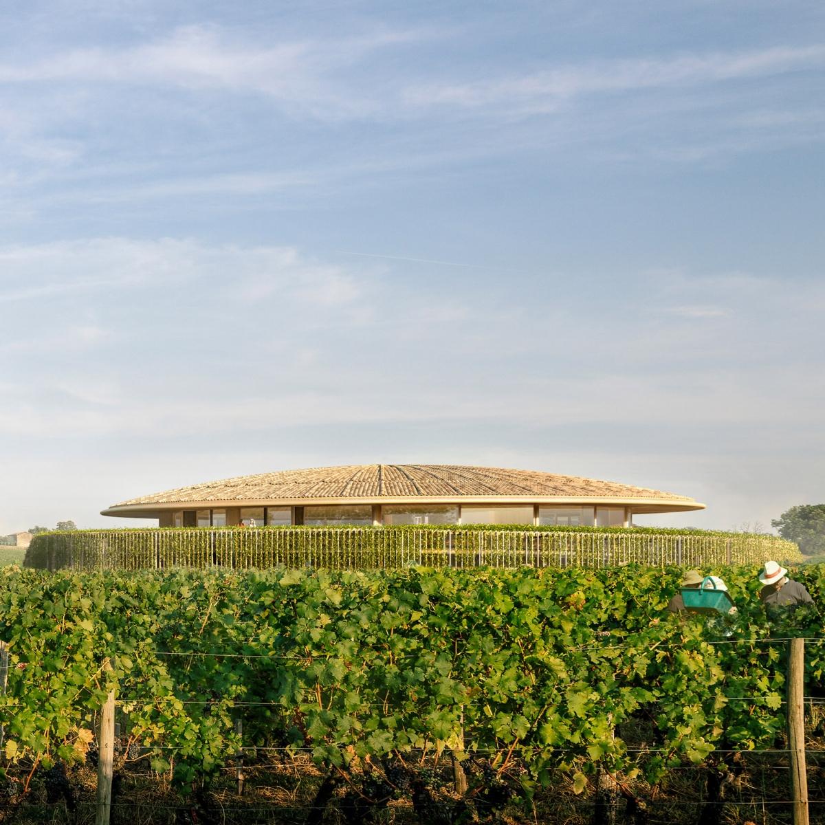 Một trong những dự án nhỏ nhất trong danh sách này là Le Dôme, một nhà máy rượu đang được phát triển ở Saint-Émilion. Nó sẽ có dạng mái vòm đặc biệt, hơi dốc nhẹ với vật liệu từ đất nung.