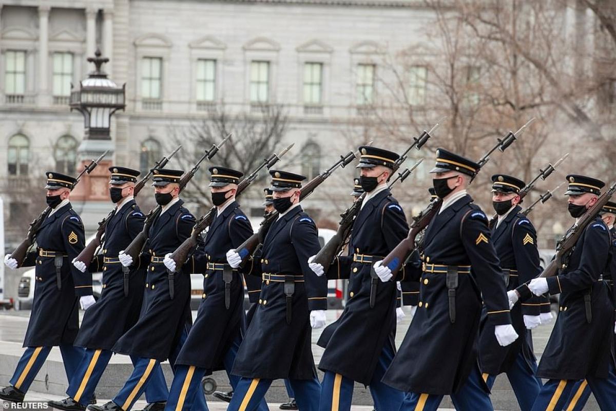 Ông Biden sẽ nghỉ lại Nhà khách Blair vào đêm trước lễ nhậm chức. Tuy nhiên, ông sẽ không đi chuyến tàu Amtrak từ quê nhà ở Delaware tới Washington như dự kiến, do rủi ro an ninh lớn sau vụ bạo loạn ở Điện Capitol. Ảnh: Reuters