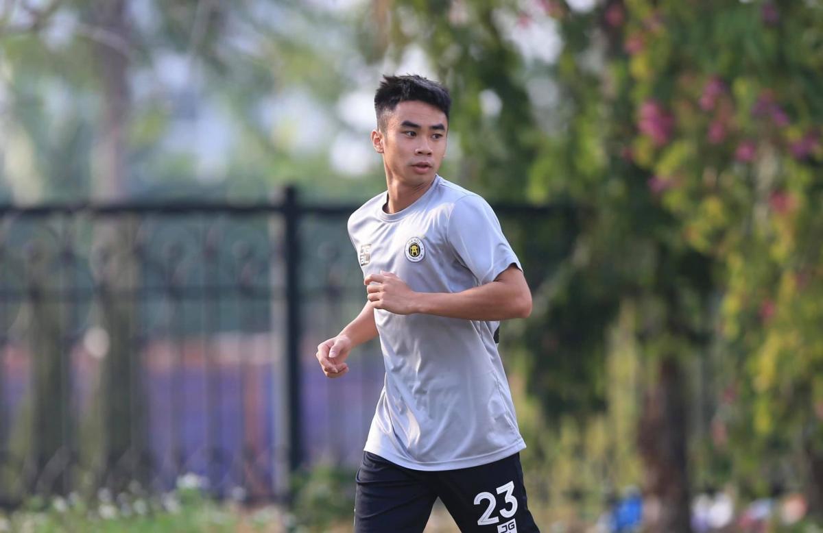 Tiền vệ: Nguyễn Văn Minh