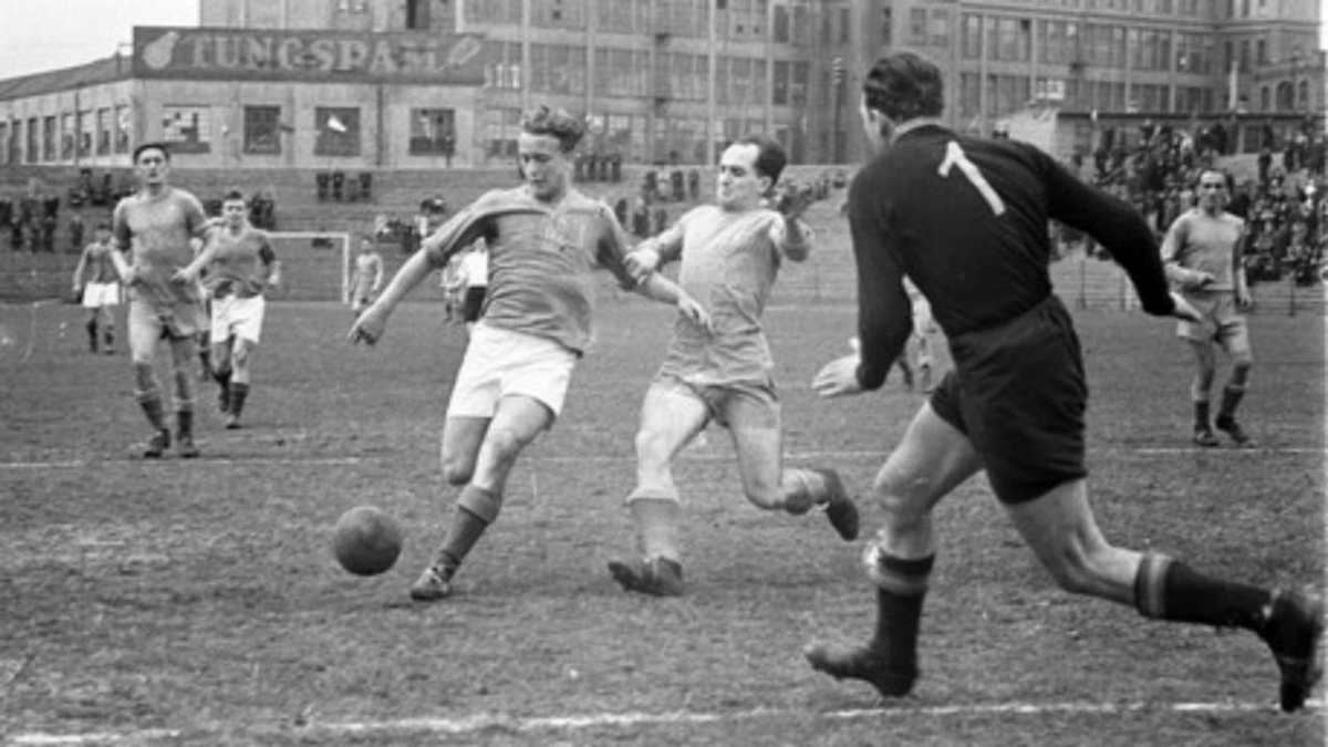 9. Ferenc Deak - 558 bàn