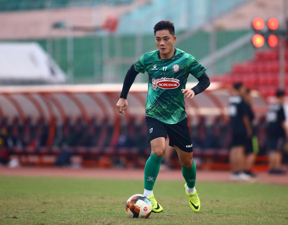 Tiền vệ phải: Lâm Ti Phông - Tuyển thủ U22 Việt Nam dưới thời HLV Nguyễn Hữu Thắng