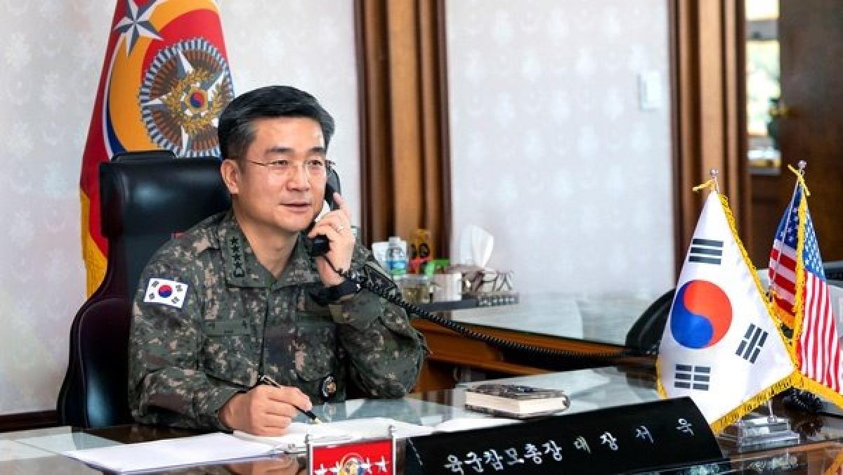 Bộ trưởng Quốc phòng Hàn Quốc Suh Wook. Ảnh: Reuters