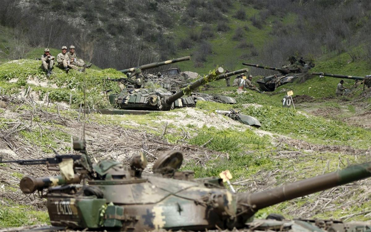 Các cuộc xung đột bùng phát giữa Armenia và Azerbaijan hồi tháng 9/2020 vừa qua đã khiến hàng nghìn người thương vong. Ảnh: Reuters