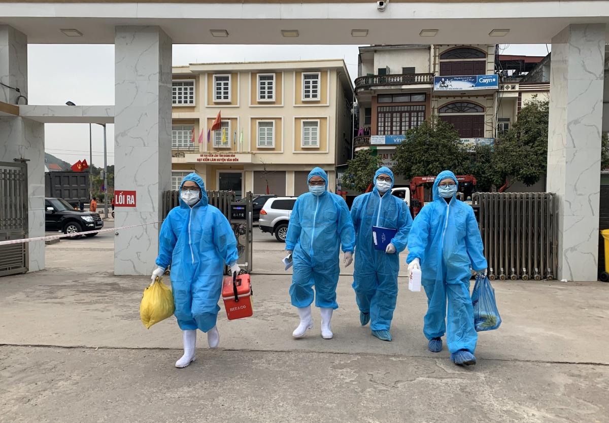 Quảng Ninh chỉ đạo các đơn vị khẩn trương lấy mẫu xét nghiệm toàn bộ nhân viên y tế đang thực hiện nhiệm vụ chống dịch