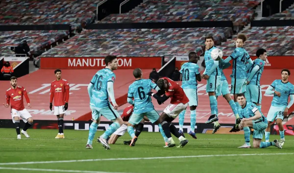 Bruno nâng tỷ số lên 3-2 cho MU trước Liverpool chỉ 12 phút sau khi có mặt trên sân. (Ảnh: Reuters).