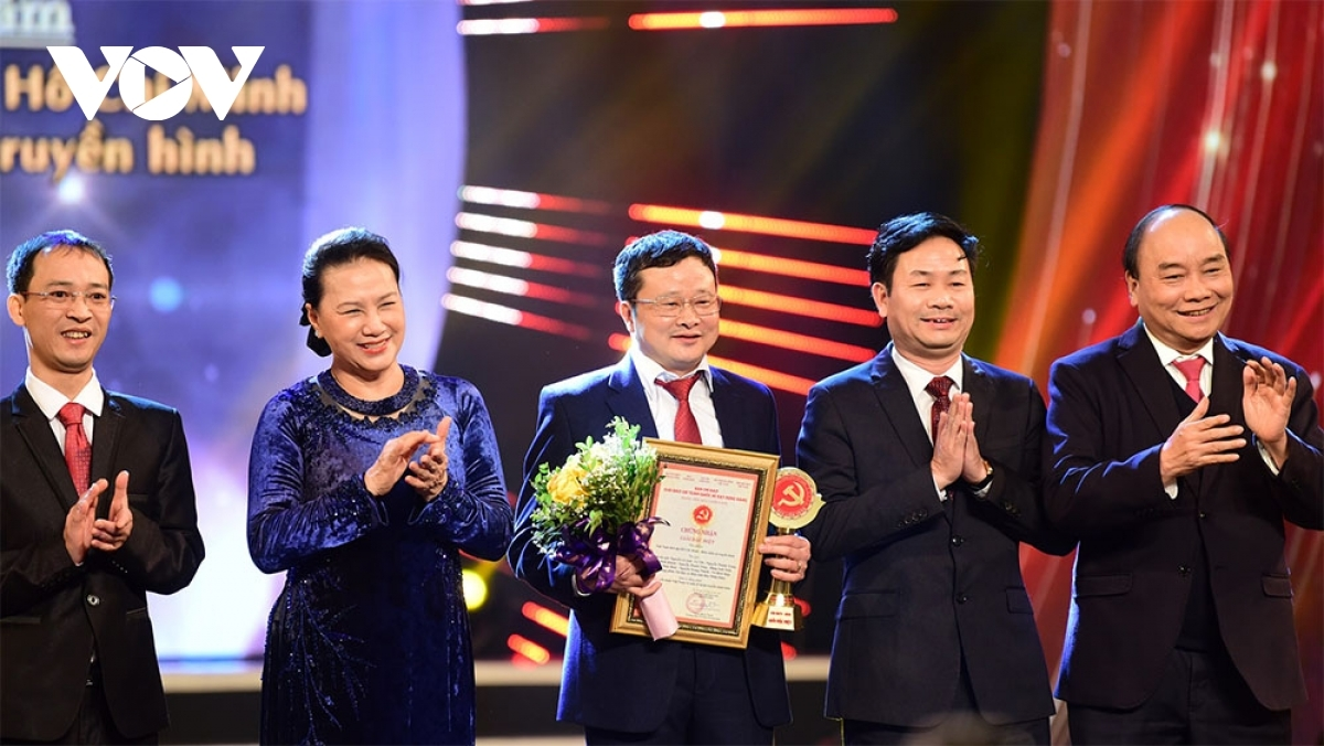 """Nhan Dan (People) Daily has received the Special Prize for its TV documentary series"""" Vietnam in the Ho Chi Minh Era - A Television Chronicle."""