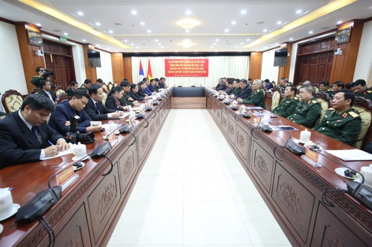 The January 4 session affirms the special links between the armies of Vietnam and Laos. (Photo: VNA)