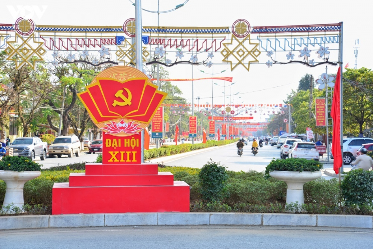 Công tác chỉnh trang đô thị chào đón Đại hội Đảng toàn quốc lần thứ XIII được tỉnh Điện Biên chuẩn bị sớm.