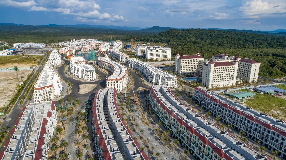 Grand World đang được các nhà đầu tư quan tâm bởi nằm trong hệ sinh thái nghỉ dưỡng – vui chơi giải trí – mua sắm tầm cỡ quốc tế.