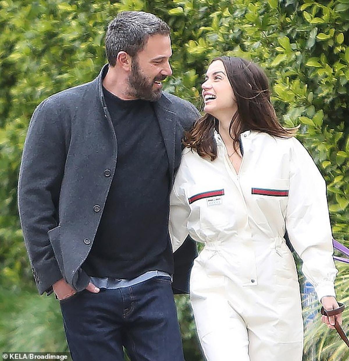 Lý do Ana de Armas và Ben Affleck chia tay vì nữ diễn viên trẻ không muốn định cư ở Los Angeles, trong khi bạn trai cô muốn sống ở đây vì các con của anh.