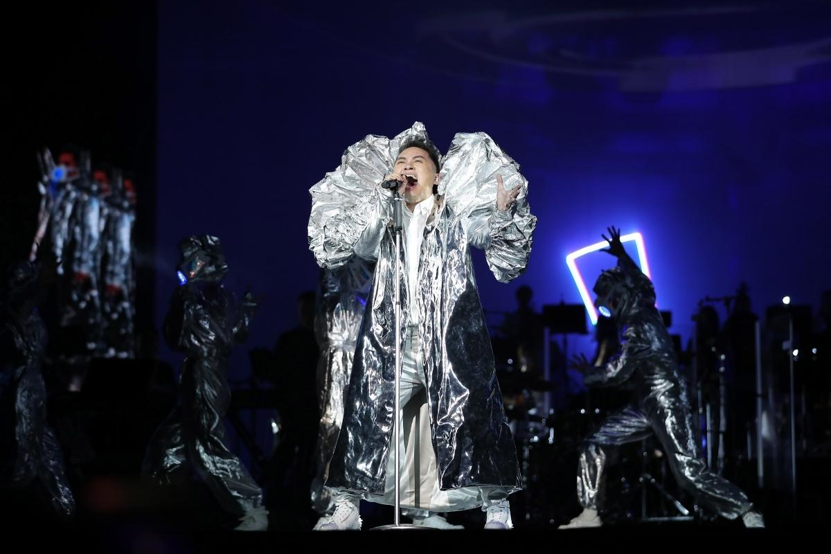 Nam ca sĩ Tùng Dương dẫn đầu danh sách đề cử giải thưởng Âm nhạc Cống hiến 2021.