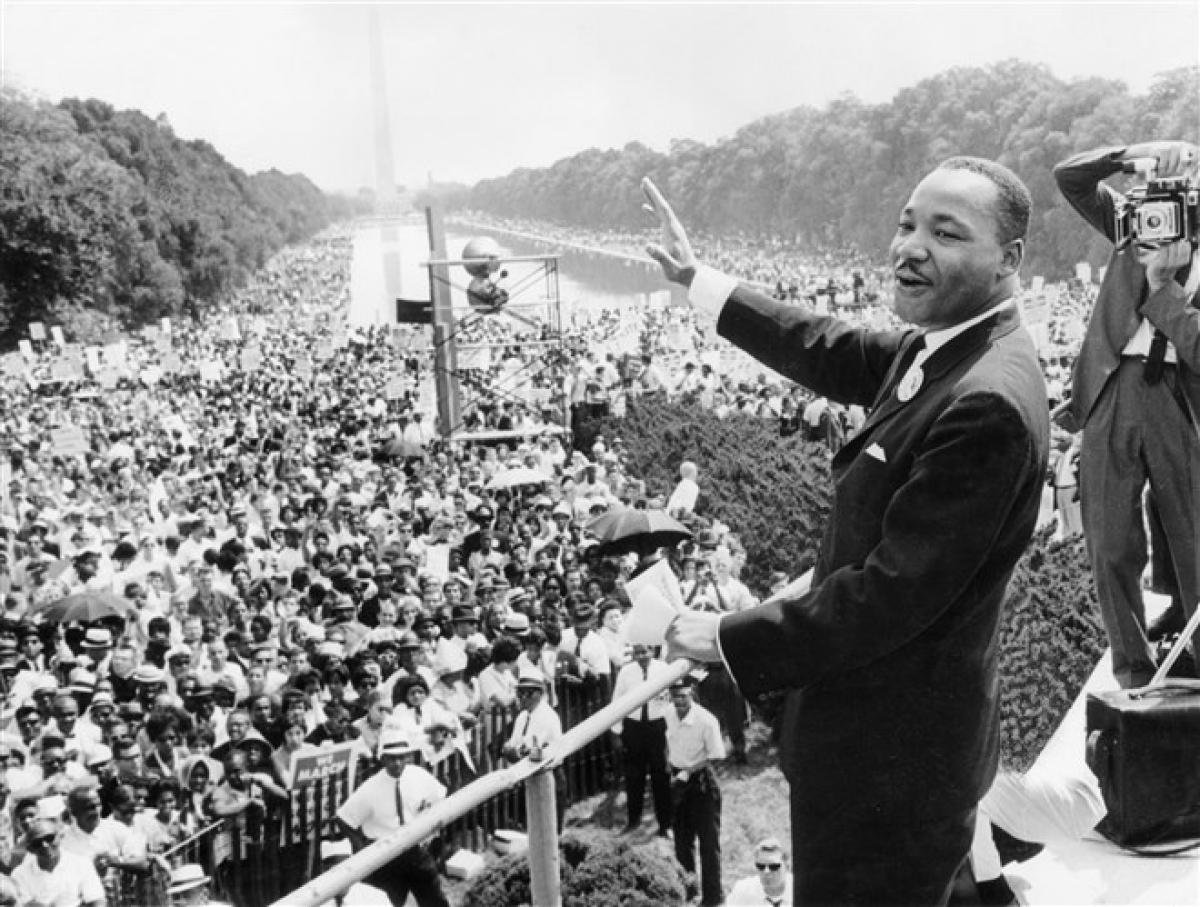 """Ngày28/8/1963, ông King đọc bài diễn văn """"I have a dream"""" (Tôi có một giấc mơ) từ những bậc thềm củaĐài Tưởng niệm Lincolntrong cuộcTuần hành đến Washington vì Việc làm và Tự do. Ảnh: Getty Images"""