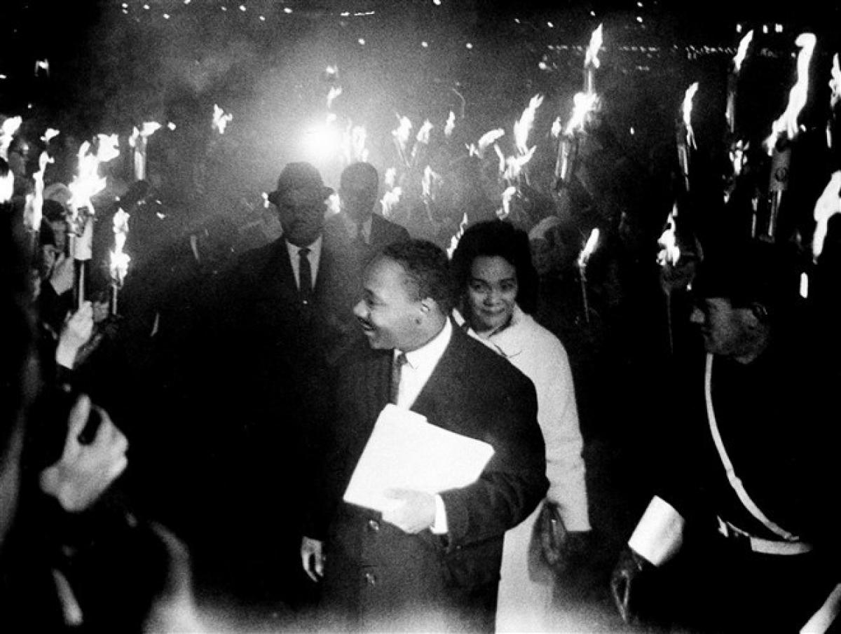 Ông King và vợ Coretta đến trường Đại học Oslo vào ngày 11/12/1964 để đọc diễn văn nhận giải sau khi đoạt giải Nobel Hòa bình. Ảnh: AP
