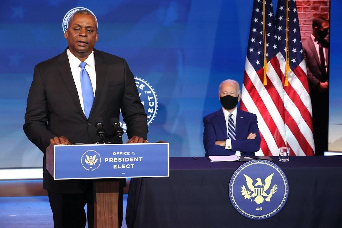 Ông Biden khẳng định Lloyd Austin là người duy nhất đủ điều kiện gánh vác vị trí Bộ trưởng Quốc phòng trong bối cảnh nước Mỹ đối mặt với khủng hoảng chưa từng có trong chính sách đối ngoại và chính trị. Ảnh: Getty