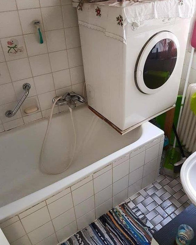 Giặt thì thôi tắm mà tắm thì thôi giặt.