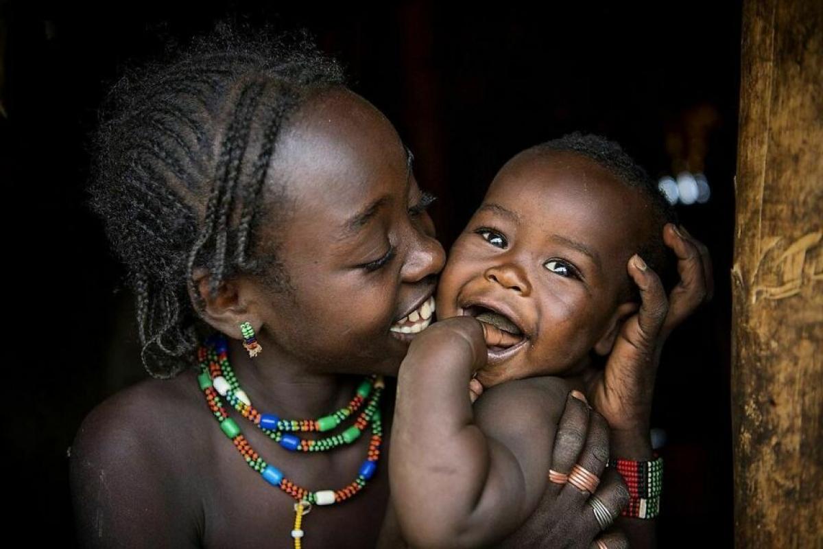 Hai chị em ở Ethiopia.