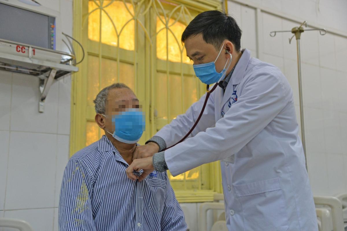 Nhiều trường hợp nhập viện cấp cứu vì dùng thuốc chữa đái tháo đường không nguồn gốc. (Ảnh: BVCC)