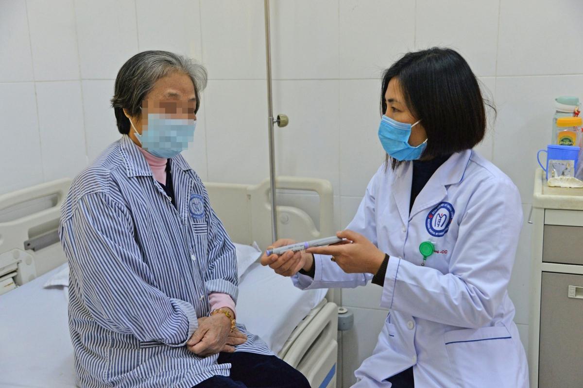 Bệnh nhân mắc bệnh đái tháo đường điều trị tại Bệnh viện Nội tiết Trung ương. (Ảnh: BVCC)