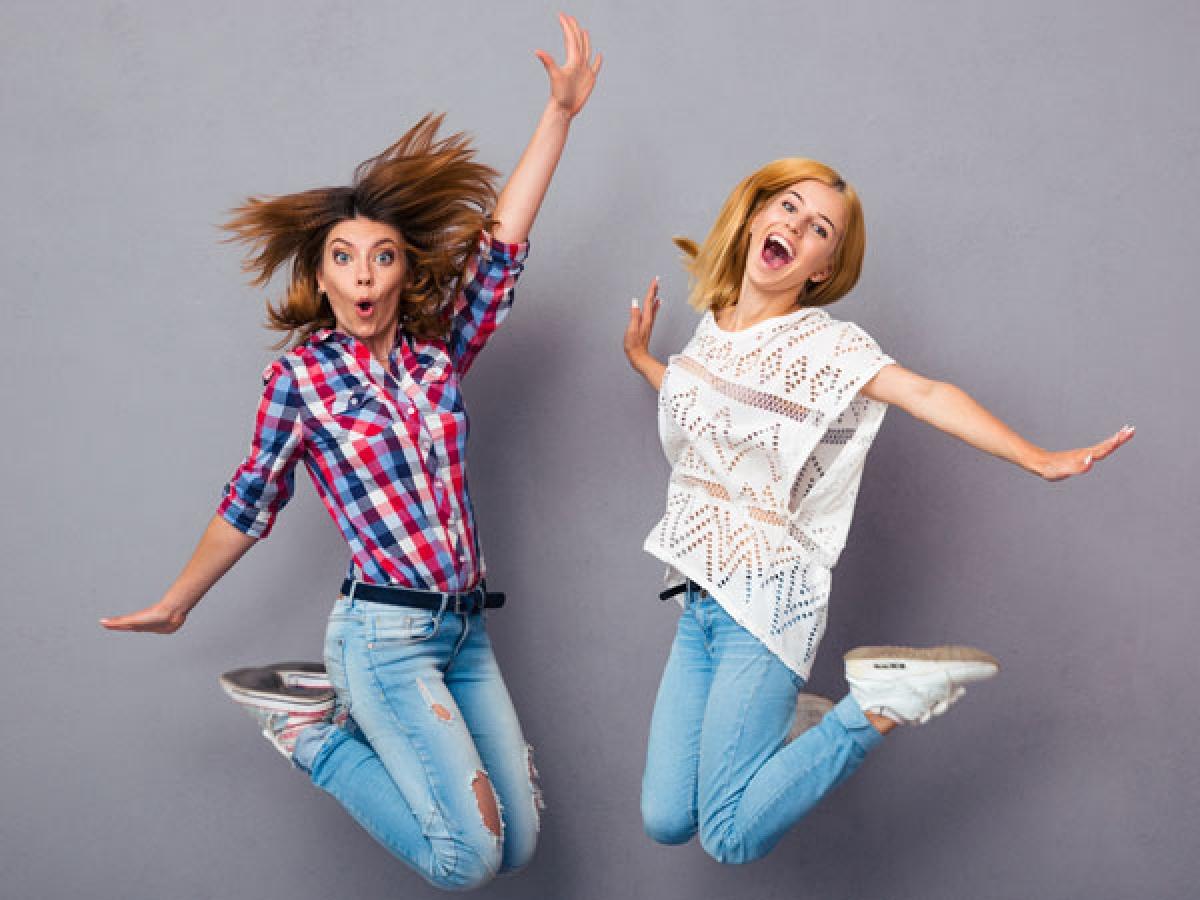 Nhảy cao: Những phụ nữ nhảy cao 10 đến 20 lần mỗi ngày trong khoảng 4 tháng có mật độ xương hông cao hơn những phụ nữ không tập bài tập này.