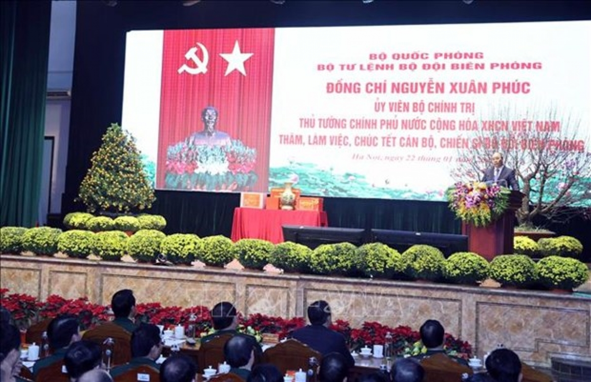 Prime Minister Nguyen Xuan Phuc speaks at a meeting with border guards ahead of the Tet (Lunar New Year) holiday on January 22. (Photo: VNA)
