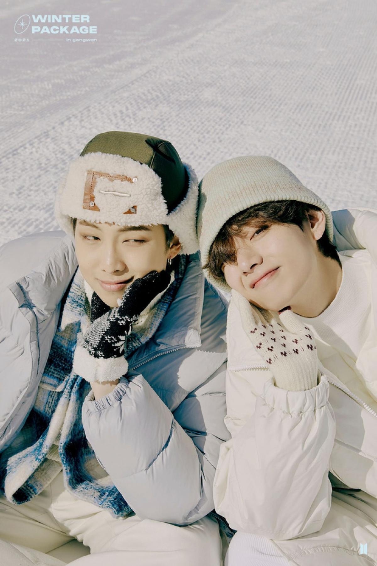 """Mới đây, 7 chàng trai BTS """"đốn tim"""" người hâm mộ với bộ ảnh """"Winter Package"""" tươi sáng, ấm áp."""