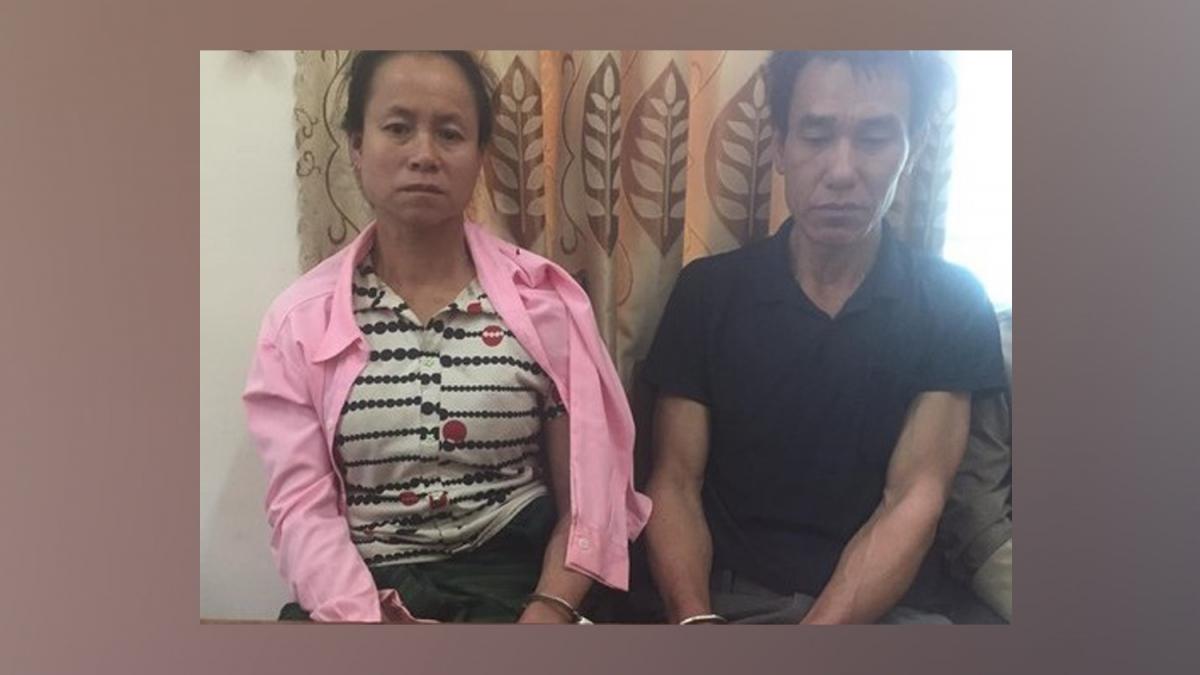 Vợ chồng Phanh và Phon tại cơ quan điều tra (Ảnh: Hoàng Tuấn)