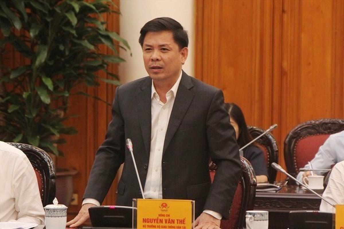 Bộ trưởng Nguyễn Văn Thể báo cáo và cam kết tiến độ vận hành tàu Cát Linh - Hà Đông trước ĐH Đảng với Thường trực Chính phủ ngày 28/10. Ảnh CP.