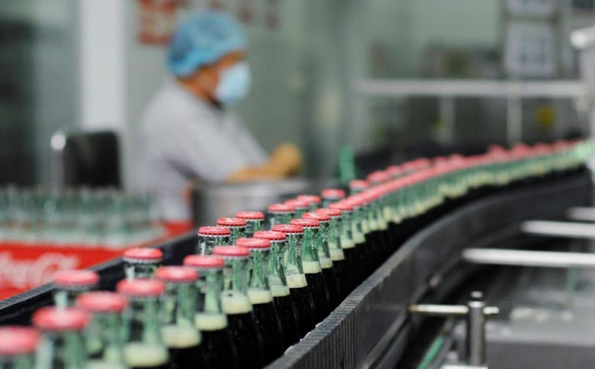 Coca-Cola đã nhiều năm báo lỗ trong suốt 20 năm hoạt động kinh doanh tại Việt Nam. (Ảnh minh họa: KT)