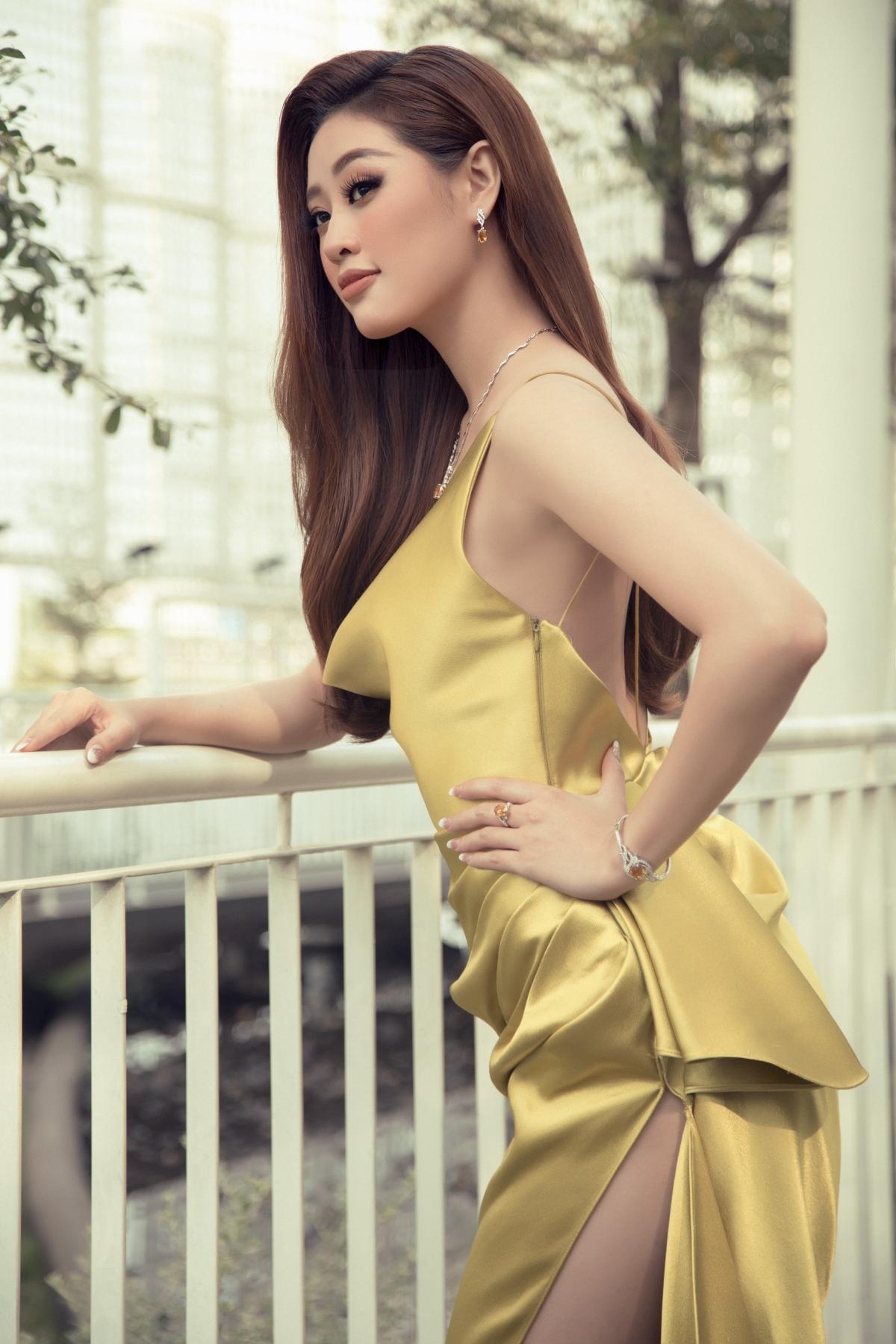 Nguyễn Trần Khánh Vân sinh năm 1995 tại TP.HCM, đăng quang Hoa hậu Hoàn vũ Việt Nam 2019, hiện hoạt động với vai trò người mẫu, diễn viên.