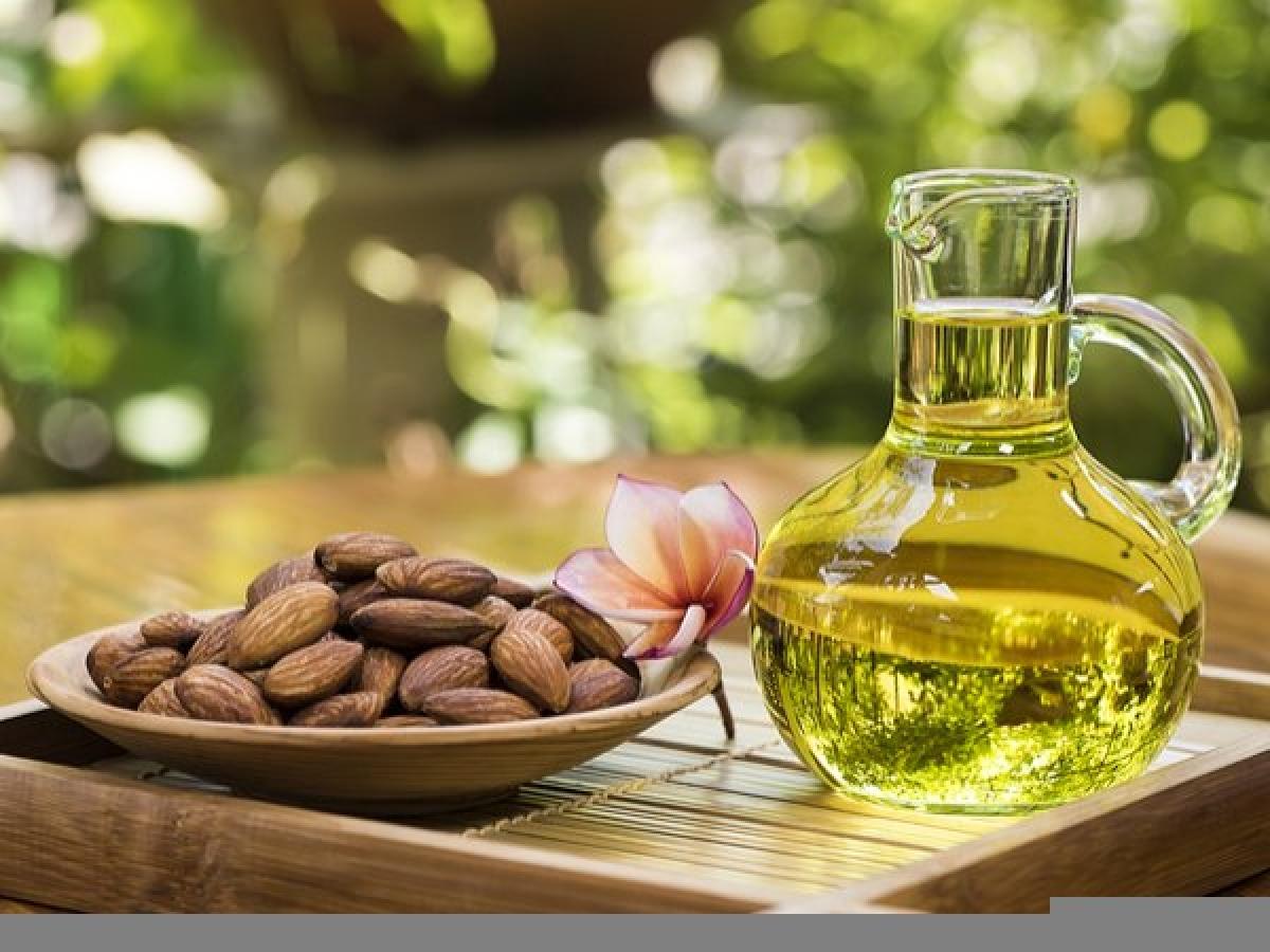 Dầu ô-liu và các loại quả hạch: Tổ hợp món ăn này không tốt cho đường tiêu hóa, cơ thể không thể cùng lúc tiêu hóa protein có trong quả hạch và chất béo có trong dầu ô-liu.