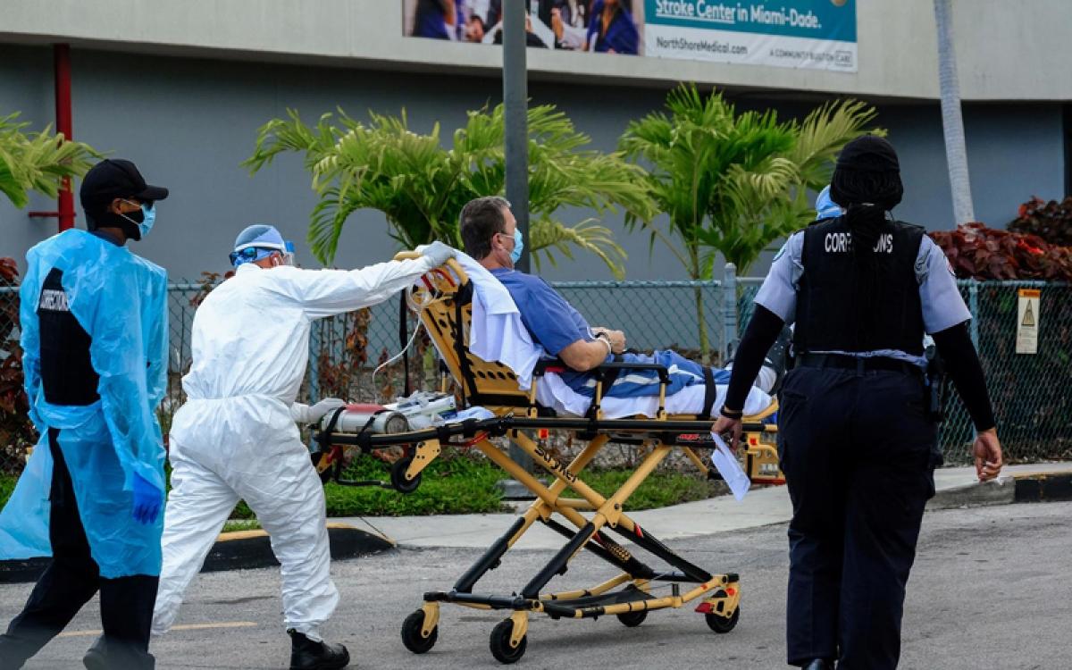 Tình hình dịch bệnh Covid-19 tại Mỹ diễn biến phức tạp. Ảnh: Reuters.