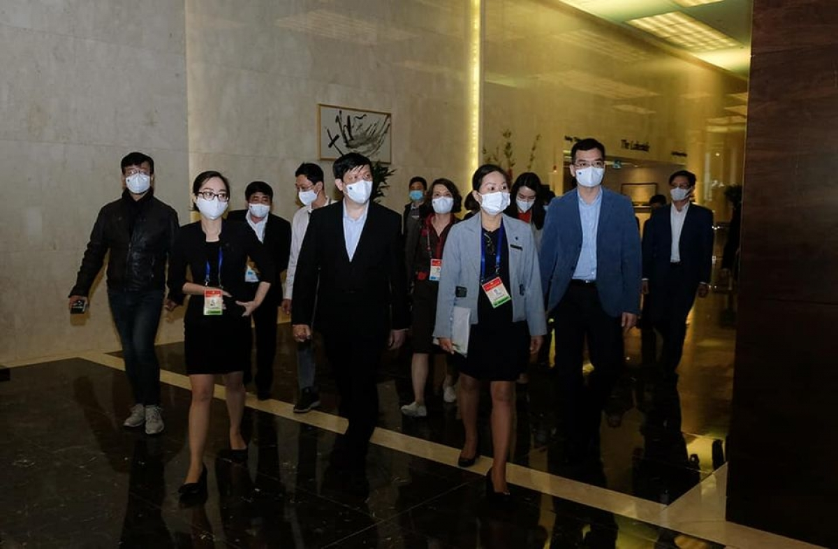 Bộ trưởng Nguyễn Thanh Long đến kiểm tra một địa điểm lưu trú của đại biểu Ảnh: Trần Minh