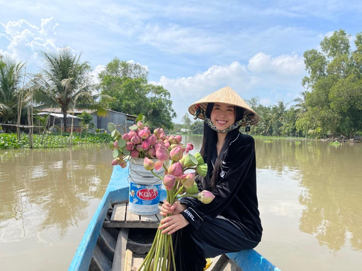 Gần 2 tháng sau khi kết thúc nhiệm kỳ, Á hậu Thuý An quyết định sẽ lên xe hoa ở tuổi 23. Trong khoảng thời gian đó cô nàng liên tục cập nhật những tin tức và hình ảnh mới nhất về đám cưới của mình.