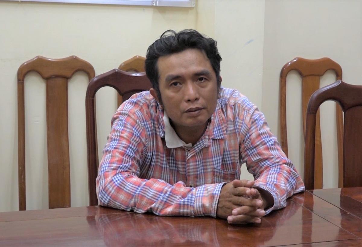 Nguyễn Vũ Linh tại trụ sở công an.