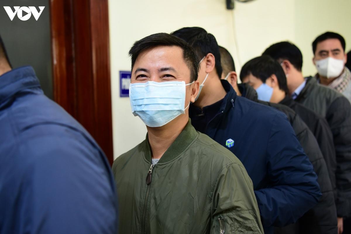 Phần lớn các nhà báo tham dự buổi xét nghiệm đều bày tỏ tin tưởng vào quy trình y tế chặt chẽ trước thềm Đại hội Đảng lần thứ XIII. Buổi xét nghiệm thứ hai cho các nhà báo sẽ diễn ra vào ngày thứ bảy ( 23/1).