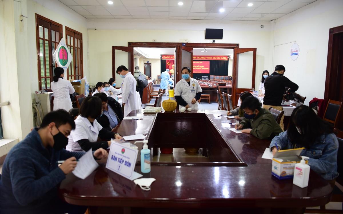 Số lượng phóng viên xét nghiệm Covid-19 lần thứ hai tăng do có nhiều phóng viên từ các tỉnh đã có mặt tại Hà Nội để phục vụ công tác tuyên truyền cho Đại hội Đảng XIII.