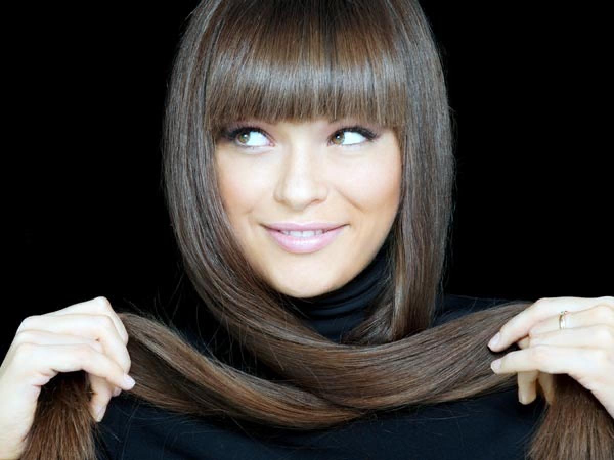 Tránh nhuộm tóc quá thường xuyên: Bạn nên để khoảng thời gian ít nhất 6 tháng giữa những lần nhuộm tóc. Nhuộm tóc quá thường xuyên có thể khiến tóc yếu và hư tổn.