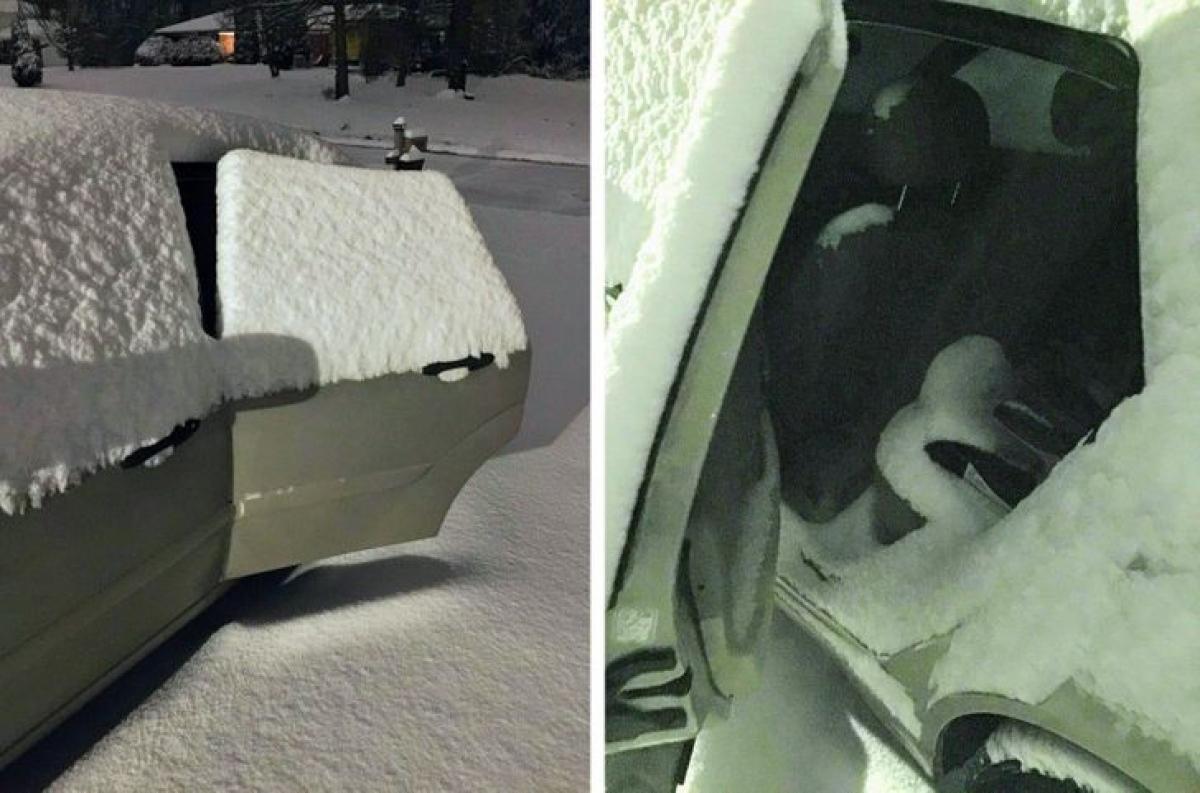 Con trai tôi thường xuyên quên đóng cửa xe giữa trời tuyết.
