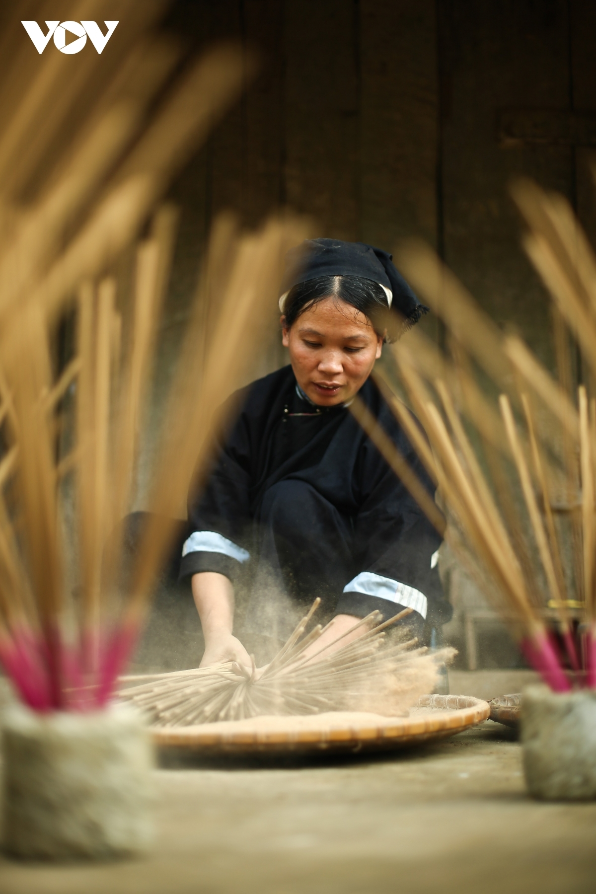 Each piece is soaked four times in a flour mixture of sawdust and agarwood powder in order to create beautiful incense sticks.