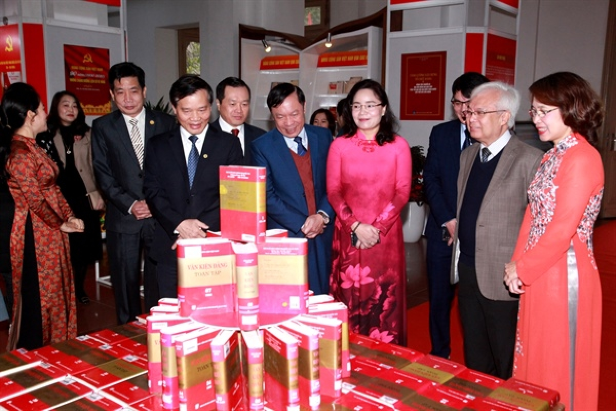 As many as 1,000 rare documents featuring details on the foundation of the Communist Party of Vietnam (CPV), its historical stages, and 12 previous National Party Congresses are on display.
