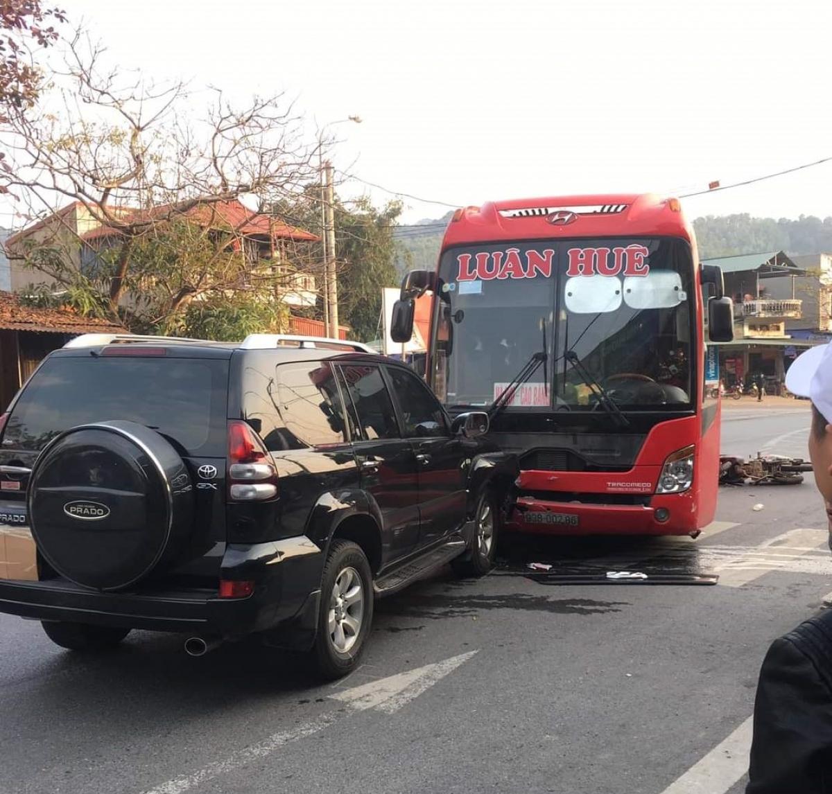 Hiện trường vụ tai nạn khiến 2 người đi xe máy bị thương tại khu vực QL3 giao tuyến BOT Thái Nguyên - Chợ Mới.