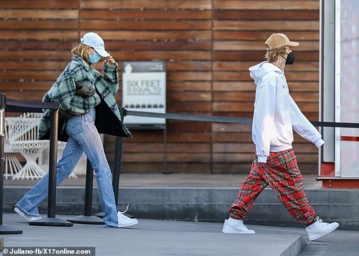 Hôn nhân viên mãn nhưng Justin Bieber và vợ vẫn chưa vội lên chức bố mẹ.