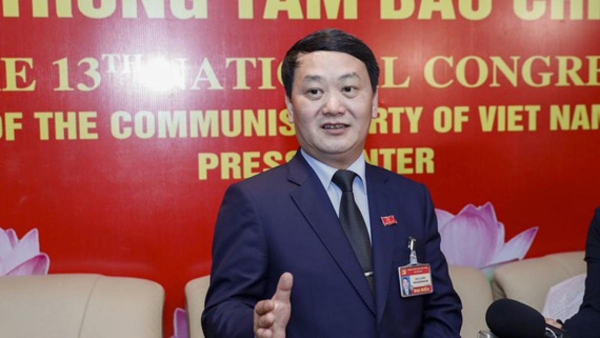 Ông Hầu A Lềnh - Ủy viên Trung ương Đảng, Phó Chủ tịch - Tổng Thư ký Ủy ban Trung ương MTTQ Việt Nam.