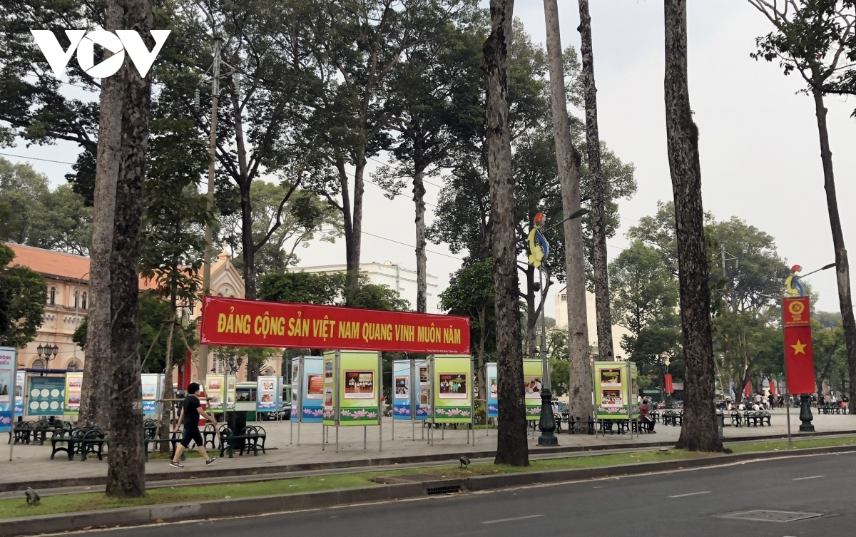 An exhibition detailing the history of the Communist Party of Vietnam is open to visitors at Van Lang Park in District 5.