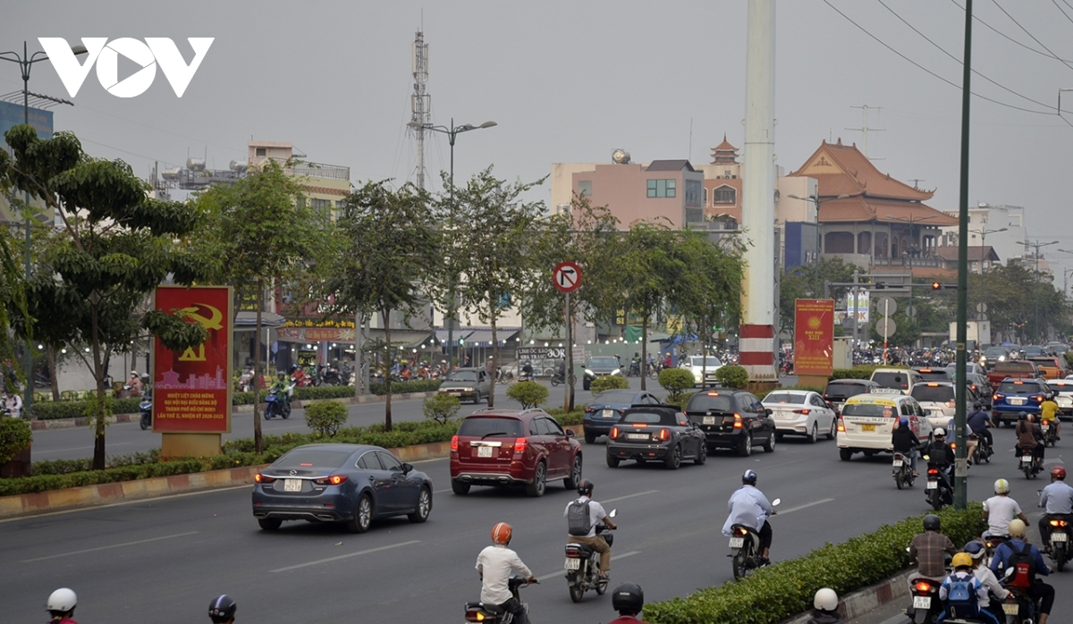 Plenty of displays are present on Pham Van Dong street in Binh Thanh district.