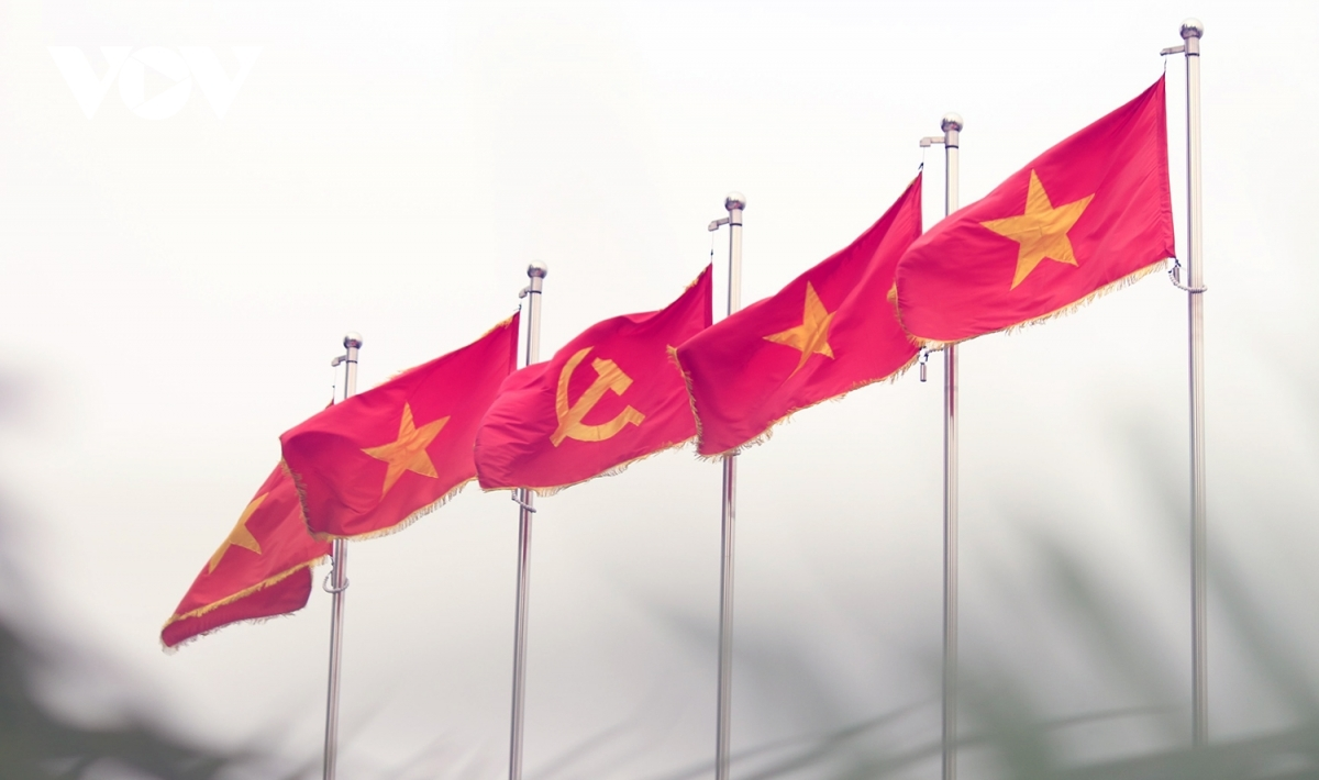 The 13th National Party Congress is scheduled to run in Hanoi capital from January 25 to February 2. But in the buildup to the event, streets throughout Ho Chi Minh City are adorned with flags, banners, and propaganda posters aimed at commemorating the important event.